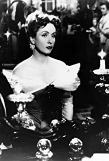 Danielle Darrieux Picture