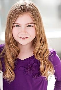 Aktori Izabel Pearce