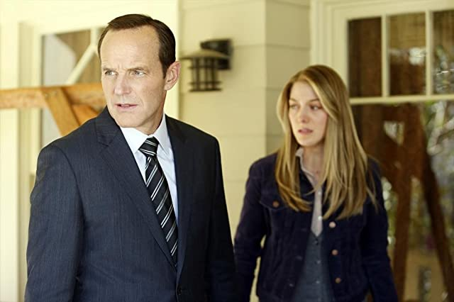 Clark Gregg and Laura Seay in Agents of S.H.I.E.L.D. (2013)