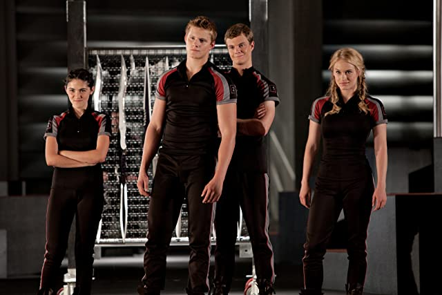 Alexander Ludwig, Leven Rambin, Isabelle Fuhrman, and Jack Quaid in The Hunger Games (2012)
