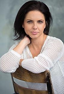Aktori Amanda Dow