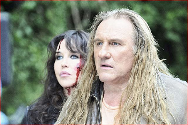Isabelle Adjani and Gérard Depardieu in Mammuth (2010)