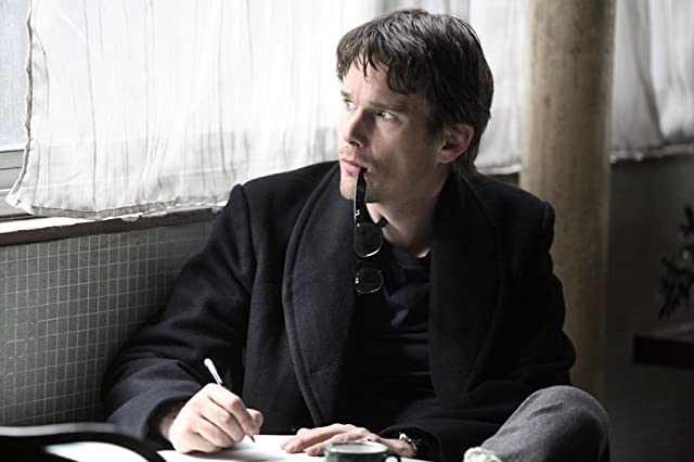 Still of Ethan Hawke in The Woman in the Fifth