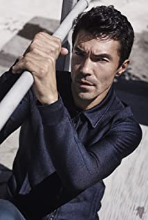 Ian Anthony Dale Picture