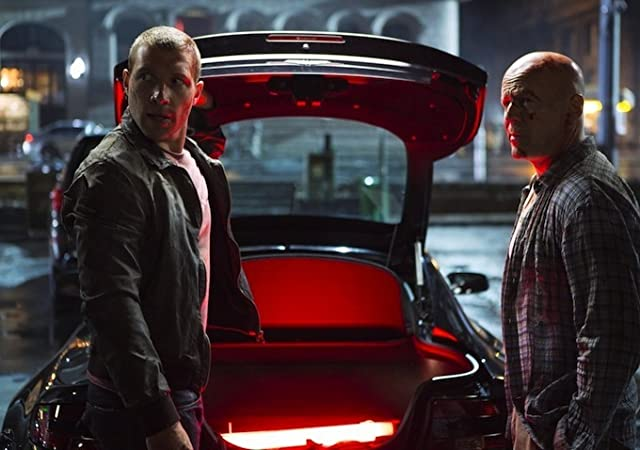 Bruce Willis and Jai Courtney in A Good Day to Die Hard (2013)