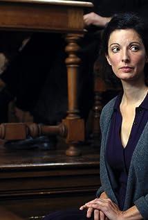 Aktori Stéphanie Cléau