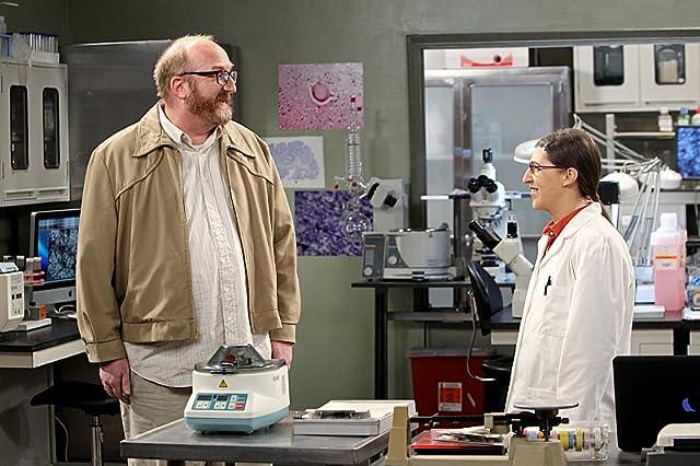 Mayim Bialik and Brian Posehn in The Big Bang Theory (2007)