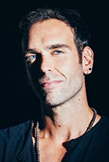 Aktori Ciro Miró