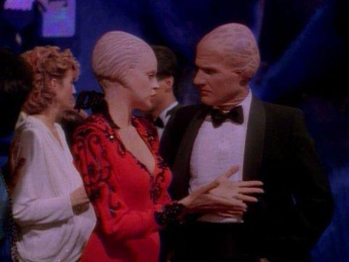 Alien Nation: Gimme, Gimme | Season 1 | Episode 19