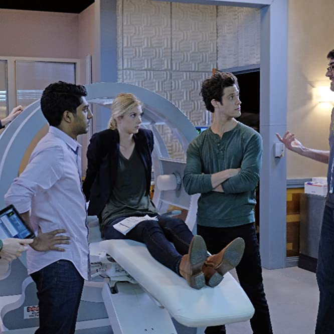 Allison Scagliotti, Craig Siebels, Ritesh Rajan, Kyle Harris, and Emma Ishta in Stitchers (2015)