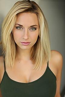 Aktori Lyndsi LaRose