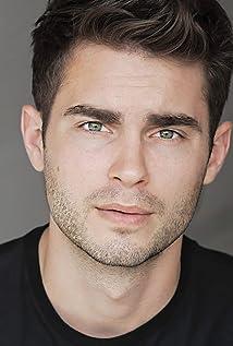 Aktori Kevin Joy