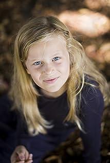 Aktori Gabrielle Cerys Haslett