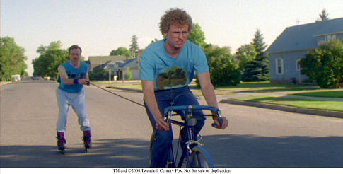 Aaron Ruell and Jon Heder in Napoleon Dynamite (2004)