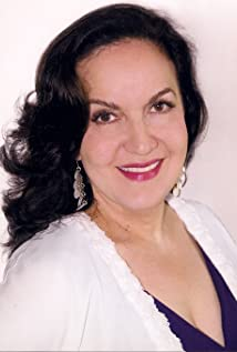 Olga Merediz Picture