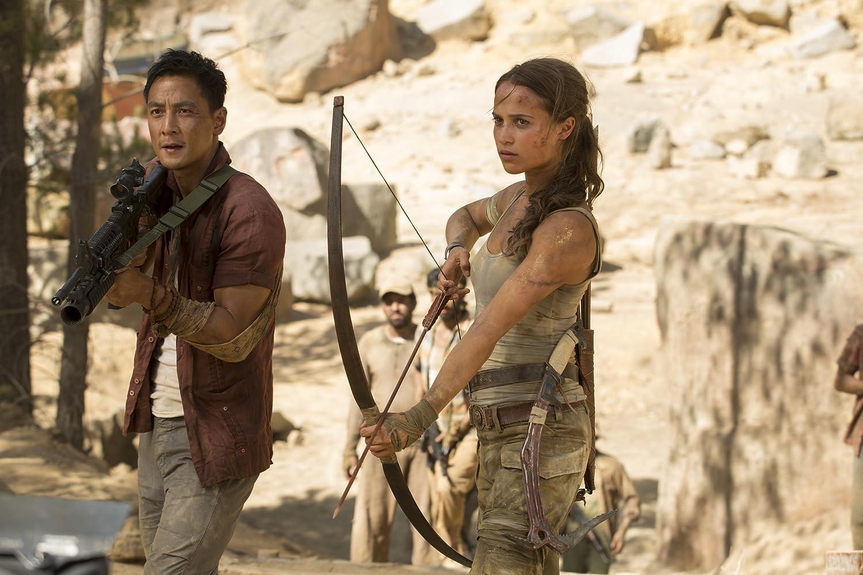 Daniel Wu and Alicia Vikander in Tomb Raider (2018)