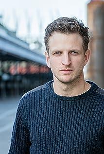 Aktori Aaron Glenane