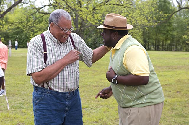James Earl Jones and Cedric the Entertainer in Welcome Home, Roscoe Jenkins (2008)