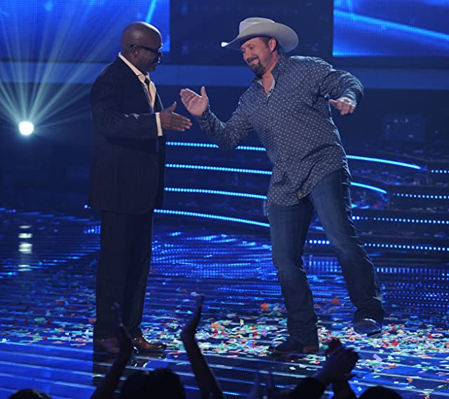 L.A. Reid and Tate Stevens in The X Factor (2011)