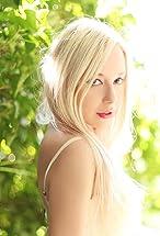 Skyler Shaye's primary photo