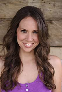 Aktori Lindsey Shope