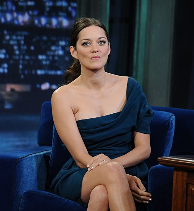 Marion Cotillard at Late Night with Jimmy Fallon (2009)