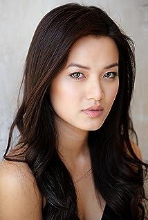 Jacquie Nguyen Picture