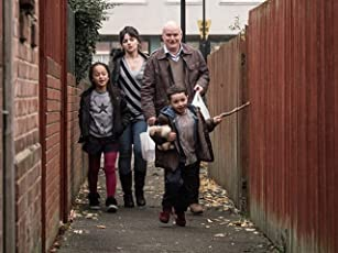 Dave Johns, Hayley Squires, Briana Shann, and Dylan McKiernan in I, Daniel Blake (2016)