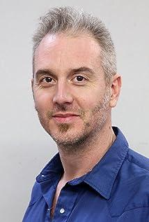 Damian Martin Picture