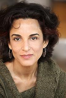 Deena Aziz Picture