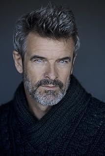 Aktori Michael Dale