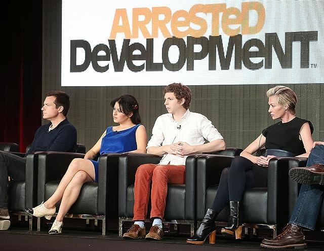 Jason Bateman, Portia de Rossi, Michael Cera, and Alia Shawkat at Arrested Development (2003)