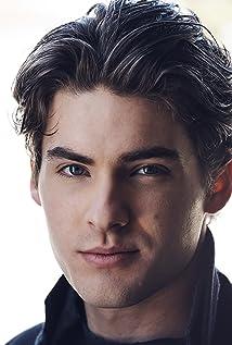 Aktori Cody Christian