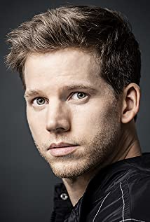 Stark Sands Picture