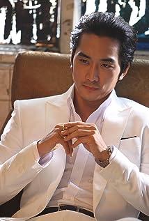 Aktori Seung-heon Song
