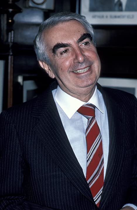 Milo O'Shea during O'Casey Foundation Benefit at Gallagher's in New York City, New York, United States, June 9, 1986.