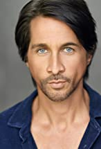 Michael Easton's primary photo