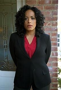 Aktori Liza Colón-Zayas