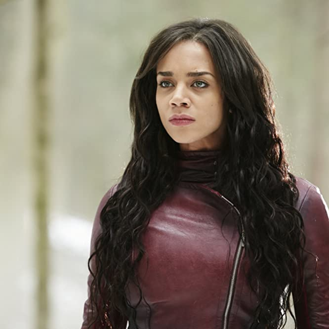 Hannah John-Kamen in Killjoys (2015)