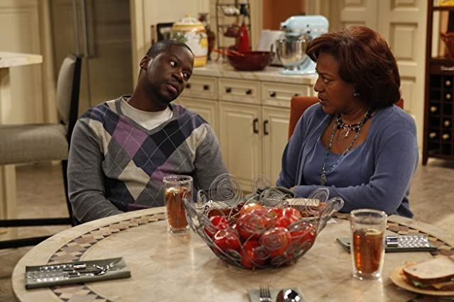 CCH Pounder and Daryl Mitchell in Brothers (2009)