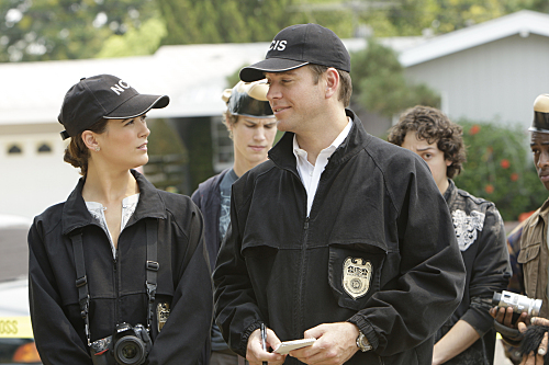 Michael Weatherly and Cote de Pablo in NCIS (2003)