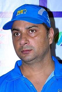 Aktori Varun Badola
