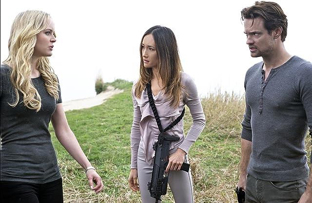 Maggie Q, Shane West, and Helena Mattsson in Nikita (2010)