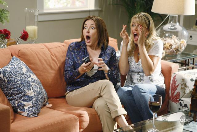 Busy Philipps and Christa Miller in Cougar Town (2009)