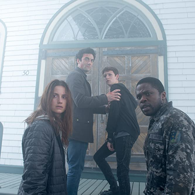 Morgan Spector, Okezie Morro, Danica Curcic, and Russell Posner in The Mist (2017)