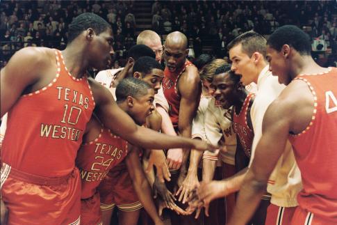 Mitch Eakins, Austin Nichols, Al Shearer, Derek Luke, Mehcad Brooks, Alphonso McAuley, Damaine Radcliff, and James Olivard in Glory Road (2006)
