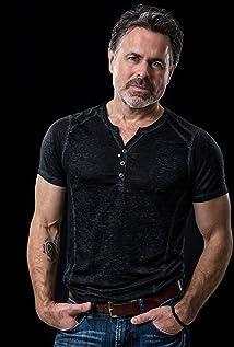 Aktori Michael Dickson