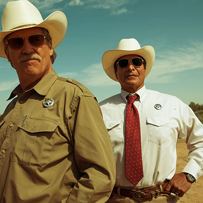 Jeff Bridges and Gil Birmingham in Hell or High Water (2016)