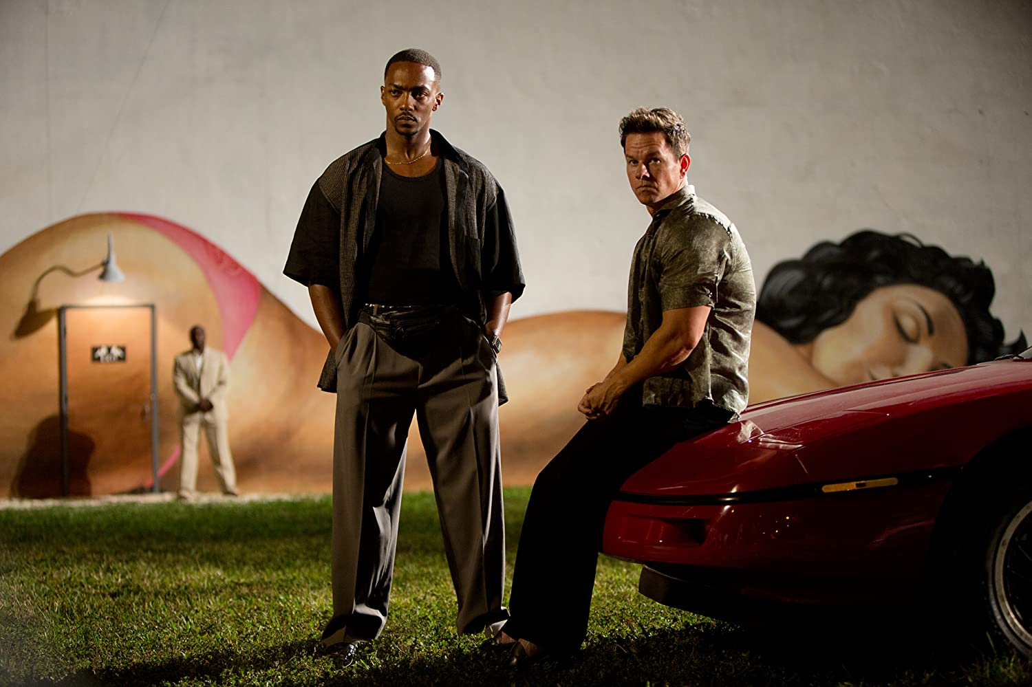 Mark Wahlberg and Anthony Mackie in Pain & Gain (2013)