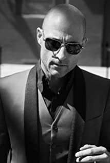Mark Strong Picture